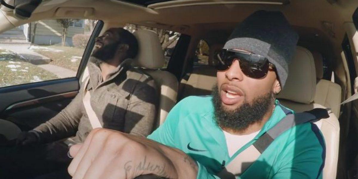 VIDEO: Jugador de la NFL sorprende a aficionados en un taxi
