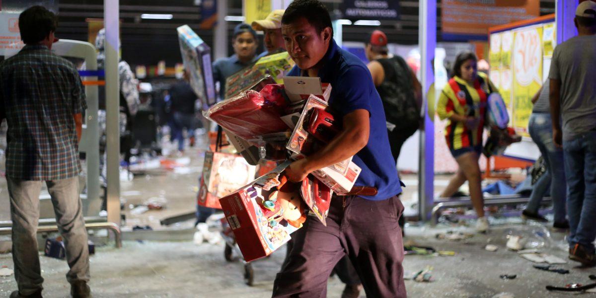 Tiendas de autoservicio piden a Peña Nieto mayor seguridad tras saqueos