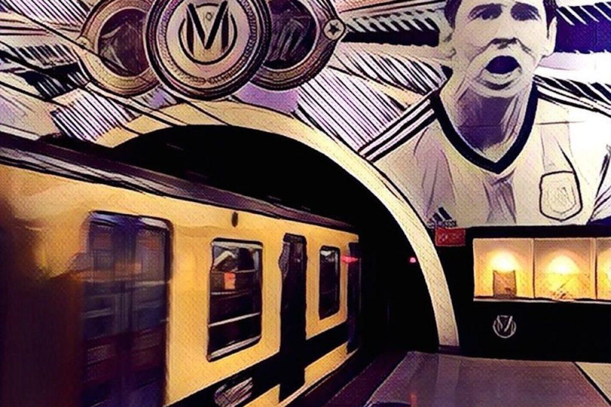 . Imagen Por: Adornan estación de metro argentino con fotografías de Lionel Messi. / Twitter