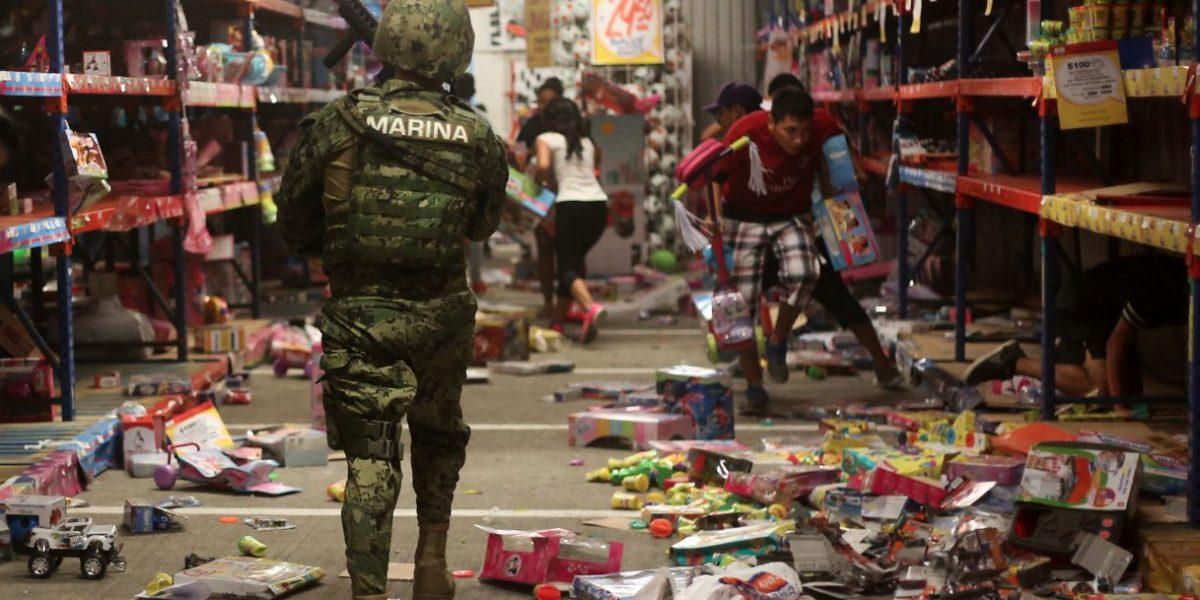 Armada de México dispersó saqueadores de tiendas en Veracruz