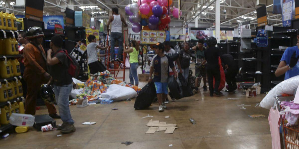 Reportan 160 detenidos y 80 negocios afectados en Veracruz