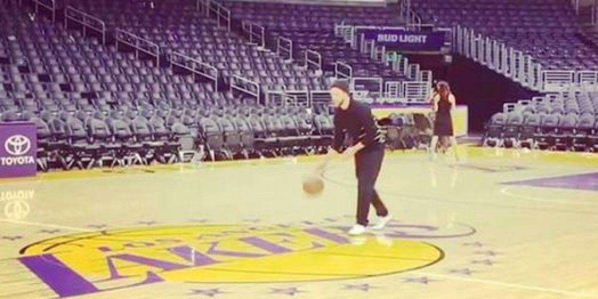 VIDEO: Justin Timberlake demuestra sus dotes como basquetbolista