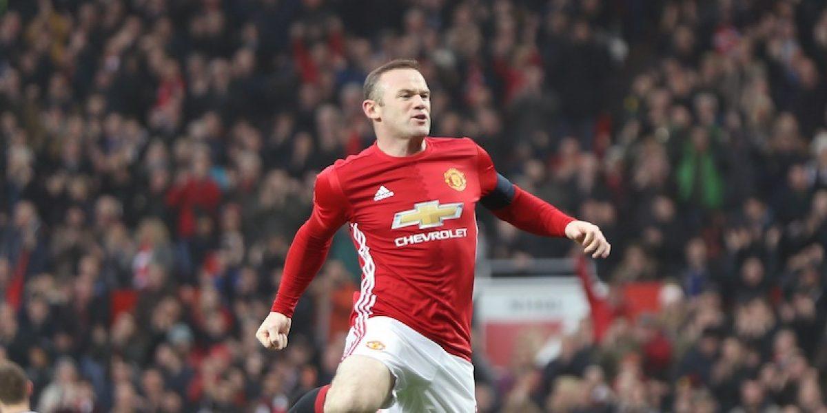 Rooney hace historia en la victoria del Manchester United