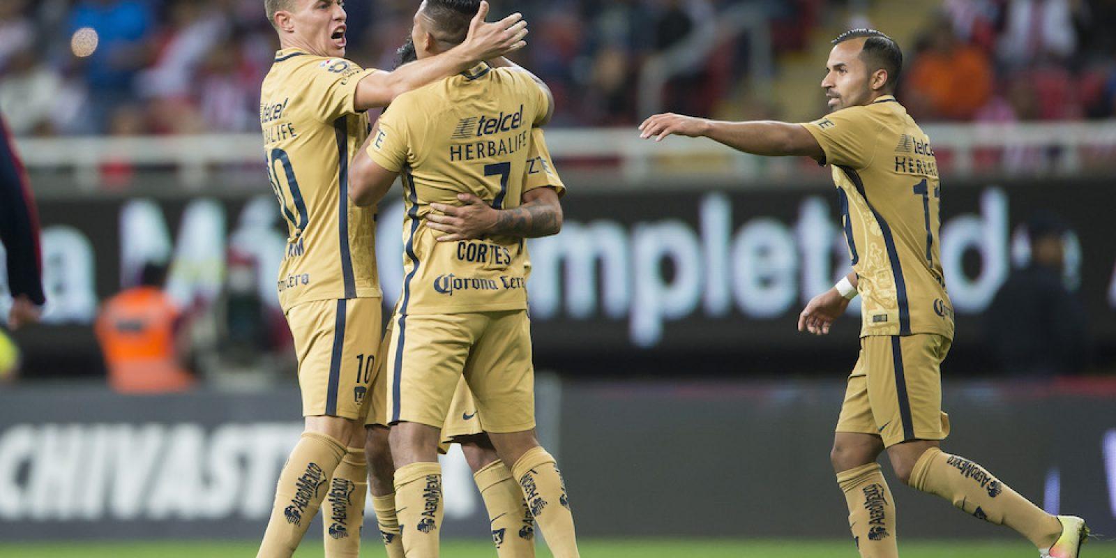 © MEXSPORT. Imagen Por: Chivas vence a Pumas en su presentación del Clausura 2017. / Mexsport