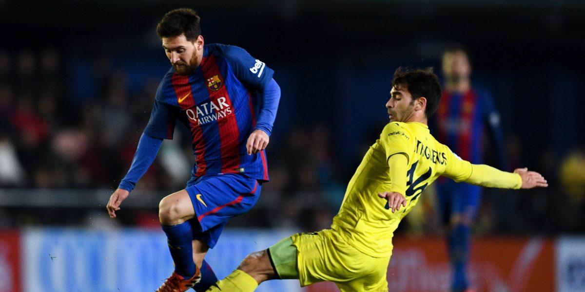 Messi rescata al Barcelona de la derrota