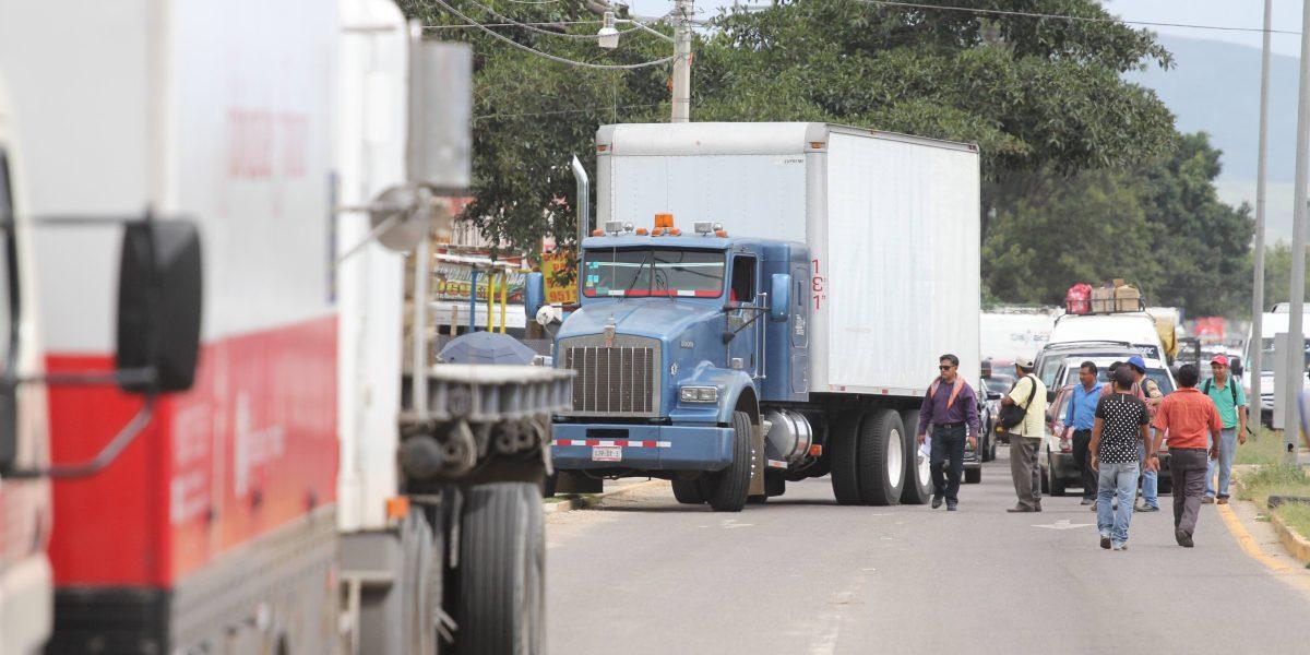 SCT mantendrá vigilancia para sancionar a transportistas por bloqueos