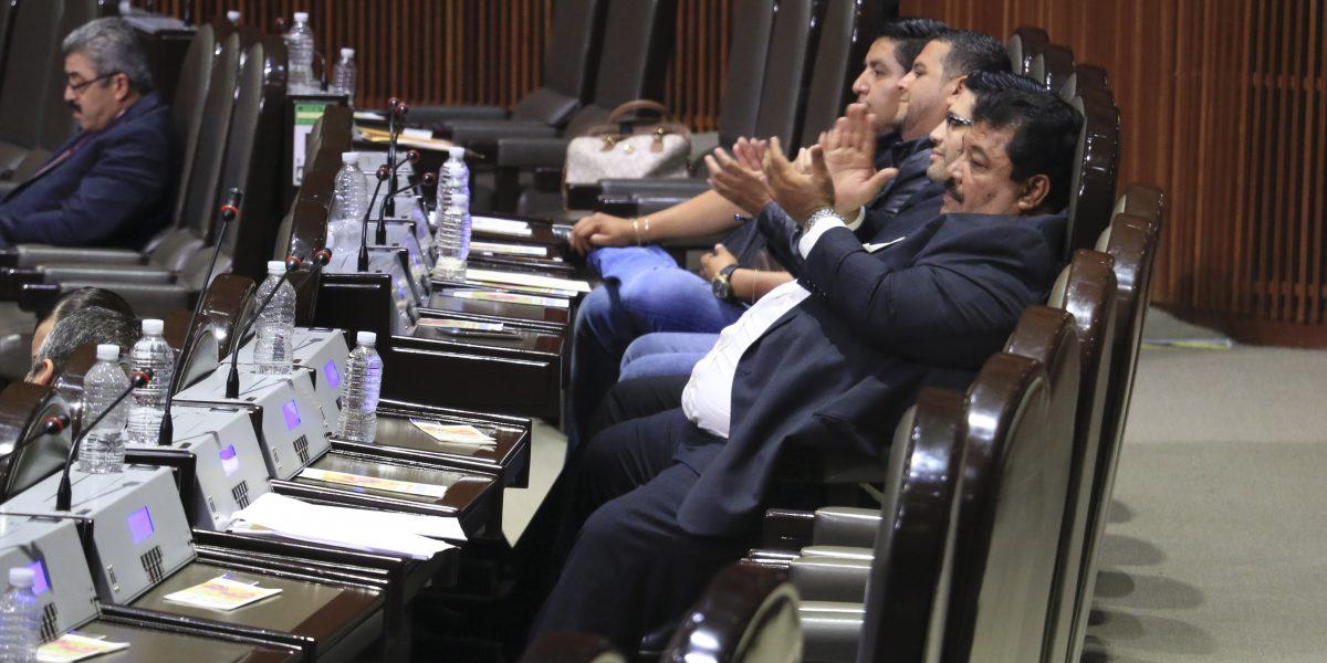 Aprueban diputados presupuesto de 4 mdp para reparar sus autos