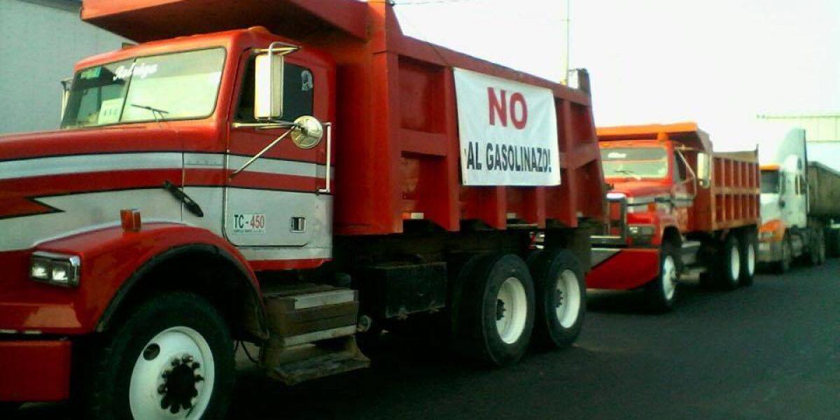 SCT retira permiso de circulación a 12 empresas por participar en bloqueos