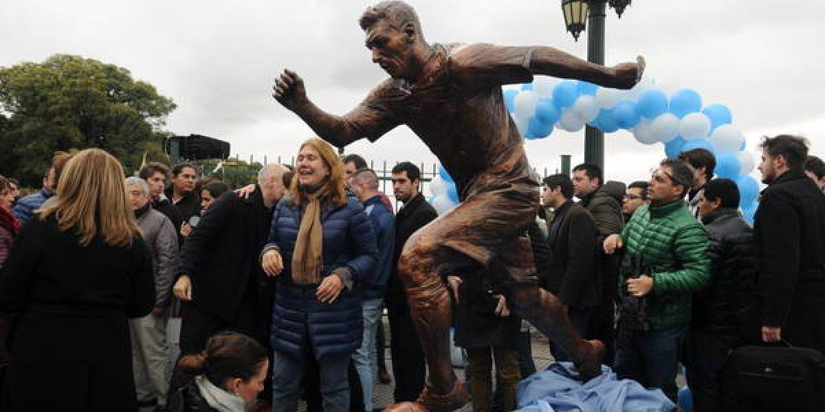 FOTOS: Mutilan estatua de Messi en Argentina