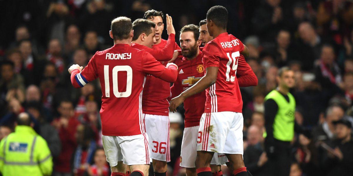Manchester United tiene pie y medio en la final de la Copa de la Liga