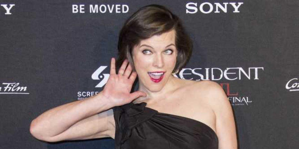 """Mila Jovovich y William Levy brillan en la alfombra """"tóxica"""" de Resident Evil en México"""