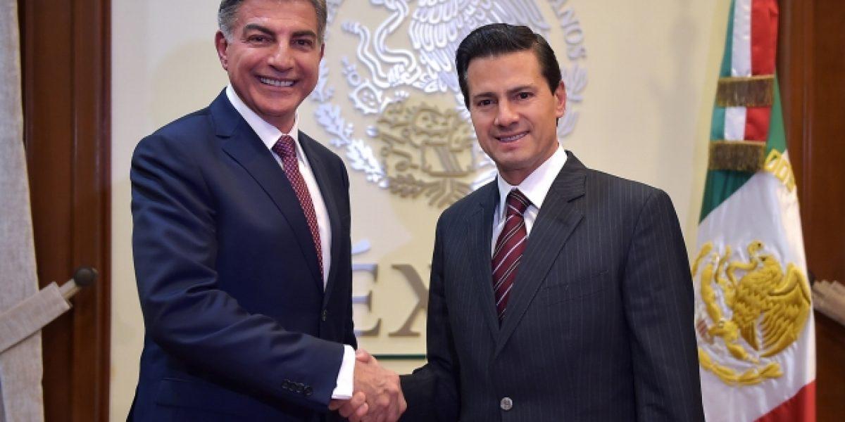 Peña Nieto y gobernador de Puebla reiteran disposición de trabajar en conjunto