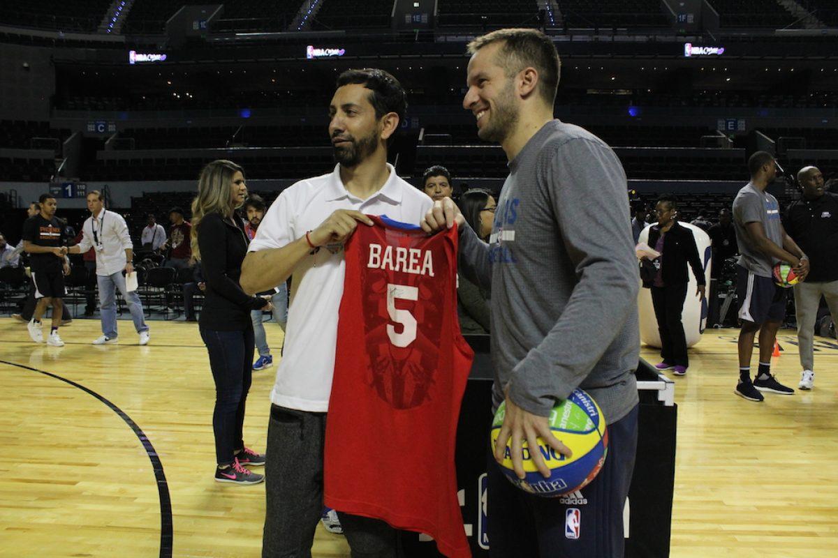 img_0063. Imagen Por: Los Dallas Mavericks con sus estrellas Dirk Nowitzki y JJ Barea también sintieron la duela de la Arena Ciudad de México. / Iván Salazar/Publimetro