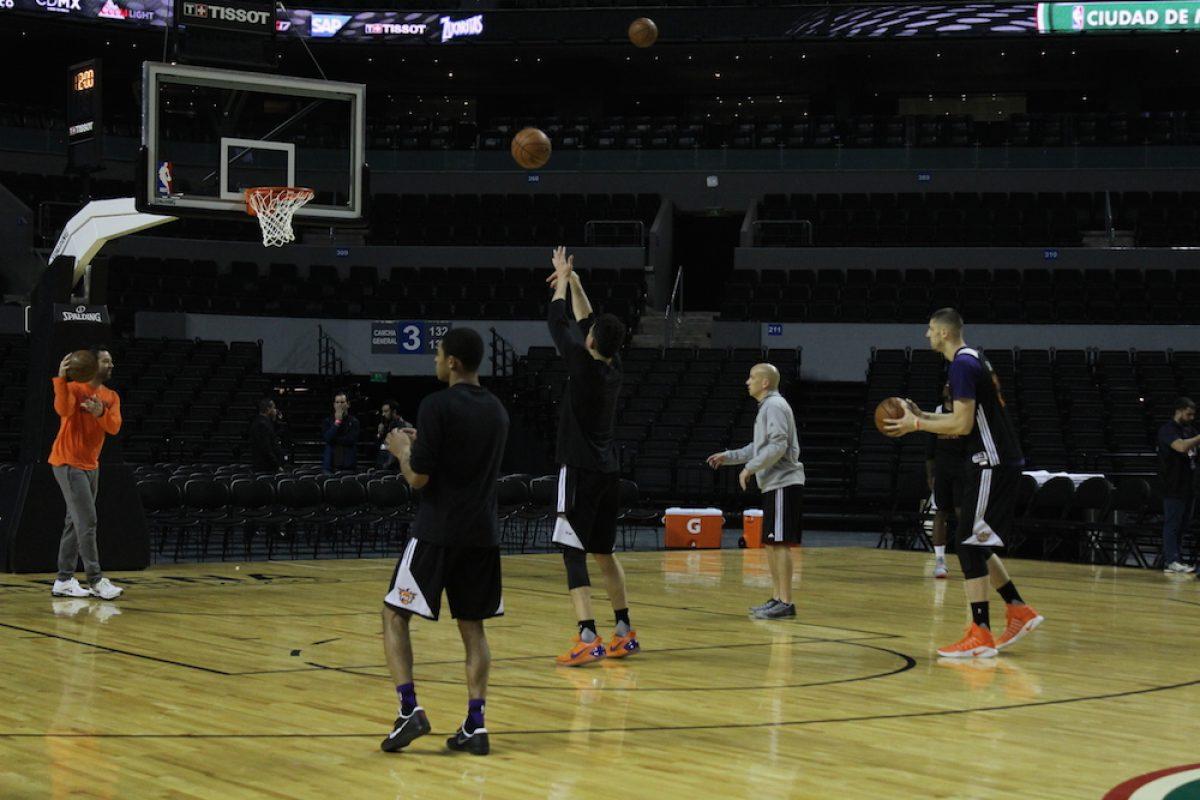 . Imagen Por: Los Phoenix Suns fueron los primeros en salir a entrenar. / Iván Salazar/Publimetro