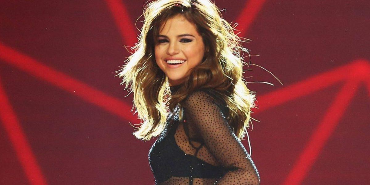 ¡Nuevo romance! Captan a Selena Gómez besando a famoso cantante
