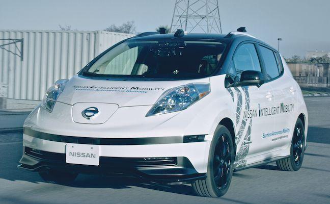 LEAF: con la tecnología Movilidad Autónoma Continua (SAM) los vehículos de conducción autónoma serán los suficientemente inteligentes para saber cuándo no deben juzgar los problemas por sí mismos. | NISSAN