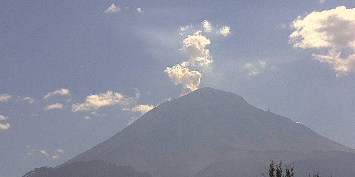 Reportan caída de ceniza en tres municipios de Colima