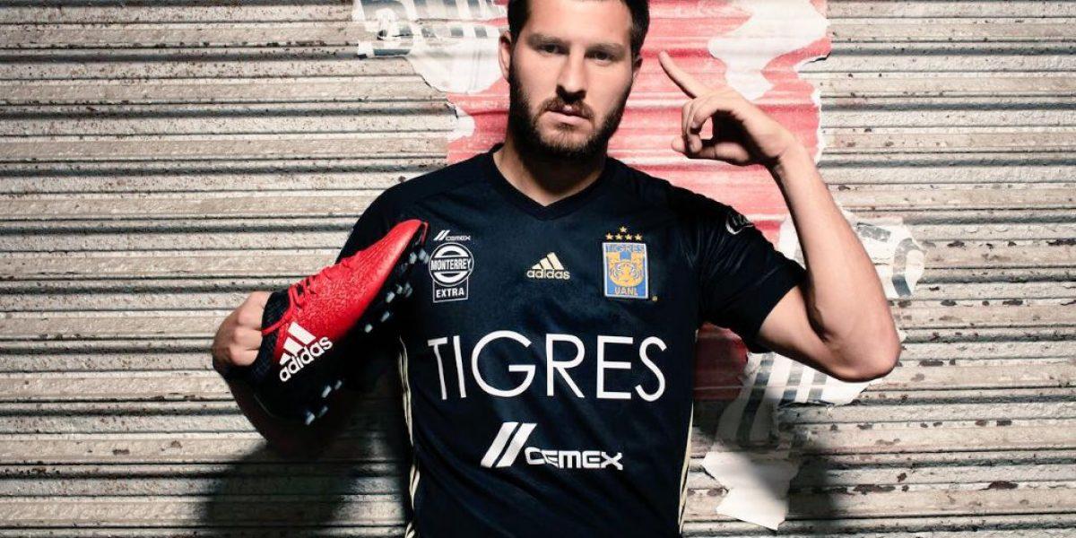 FOTO: Tigres presume su tercer jersey con la quinta estrella