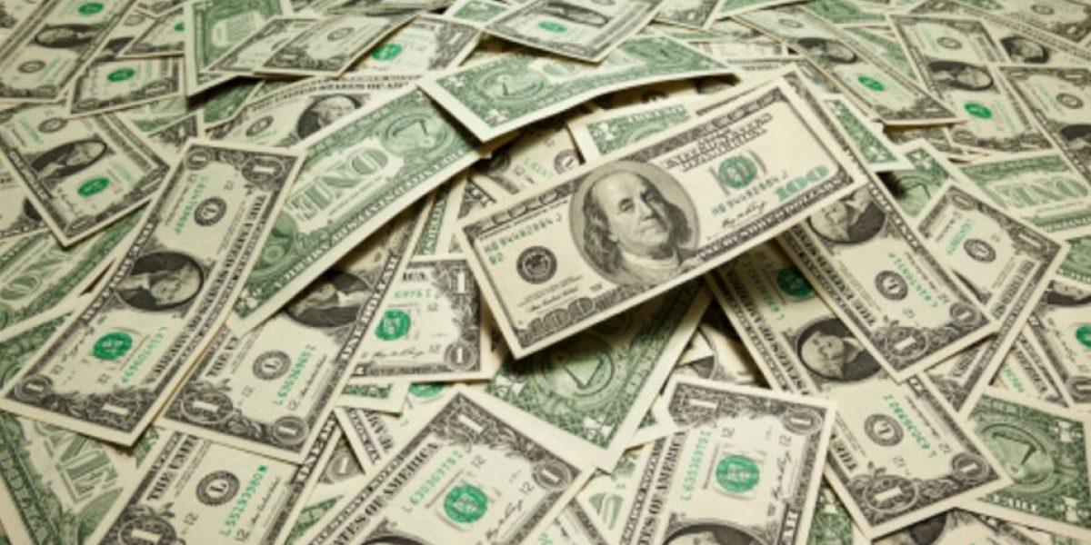 Peso recupera terreno ante el dólar; se vende hasta en $22.27 en bancos