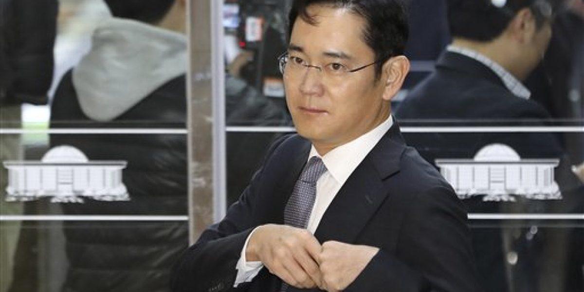 Piden orden de detención contra vicepresidente de grupo Samsung en Corea
