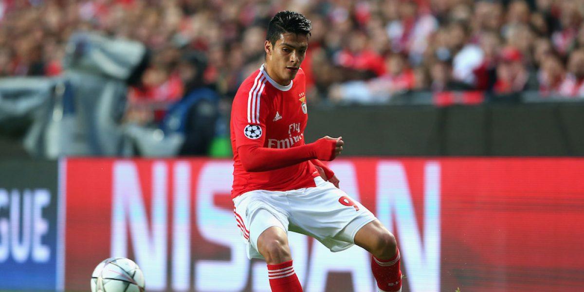 Benfica valúa en 50 millones de euros a Raúl Jiménez