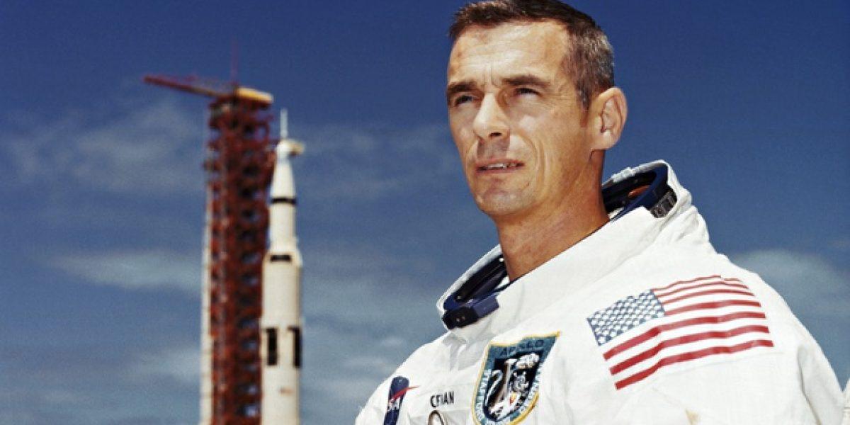 Muere Gene Cernan, último hombre que pisó la luna