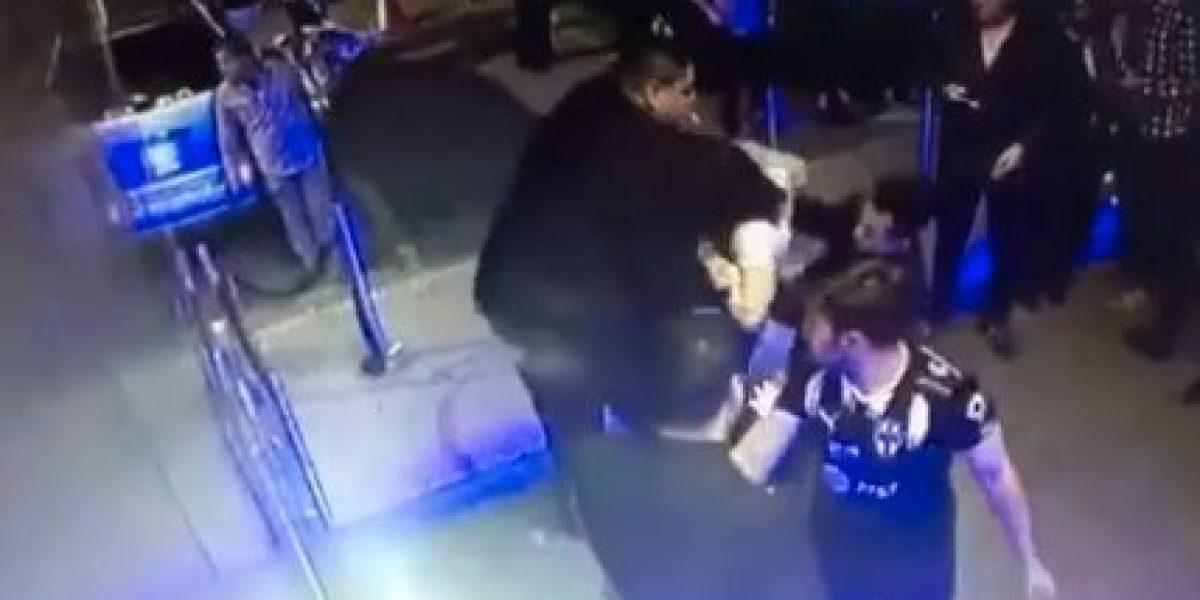 VIDEO: exhiben presunta discriminación en otro antro de Nuevo León