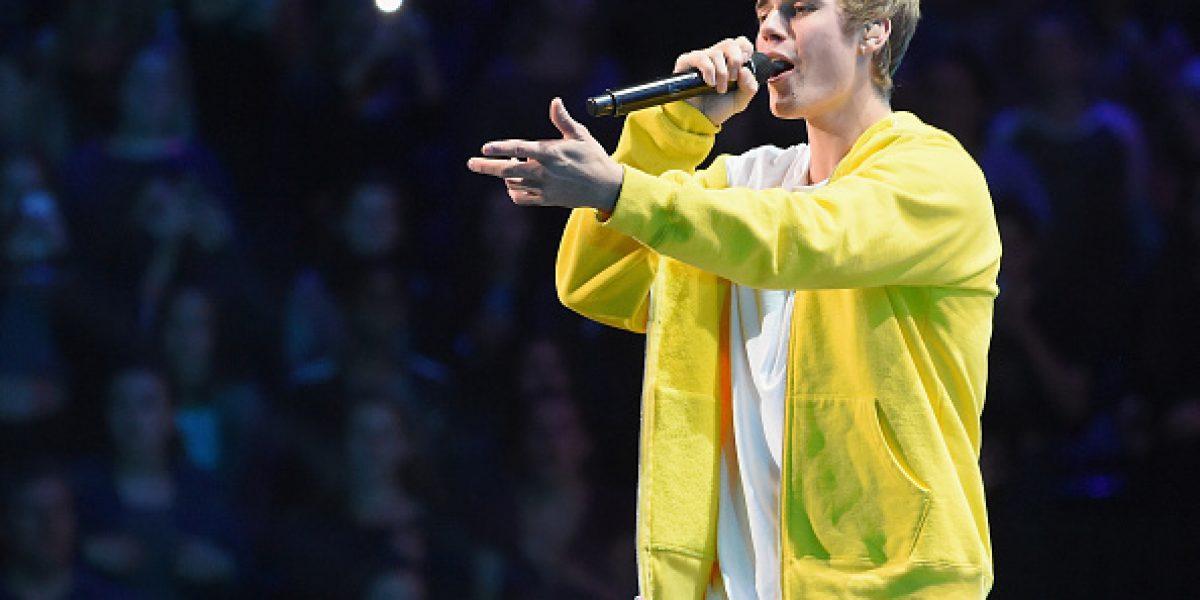 Se hace pasar por Justin Bieber para obtener fotos de niña desnuda