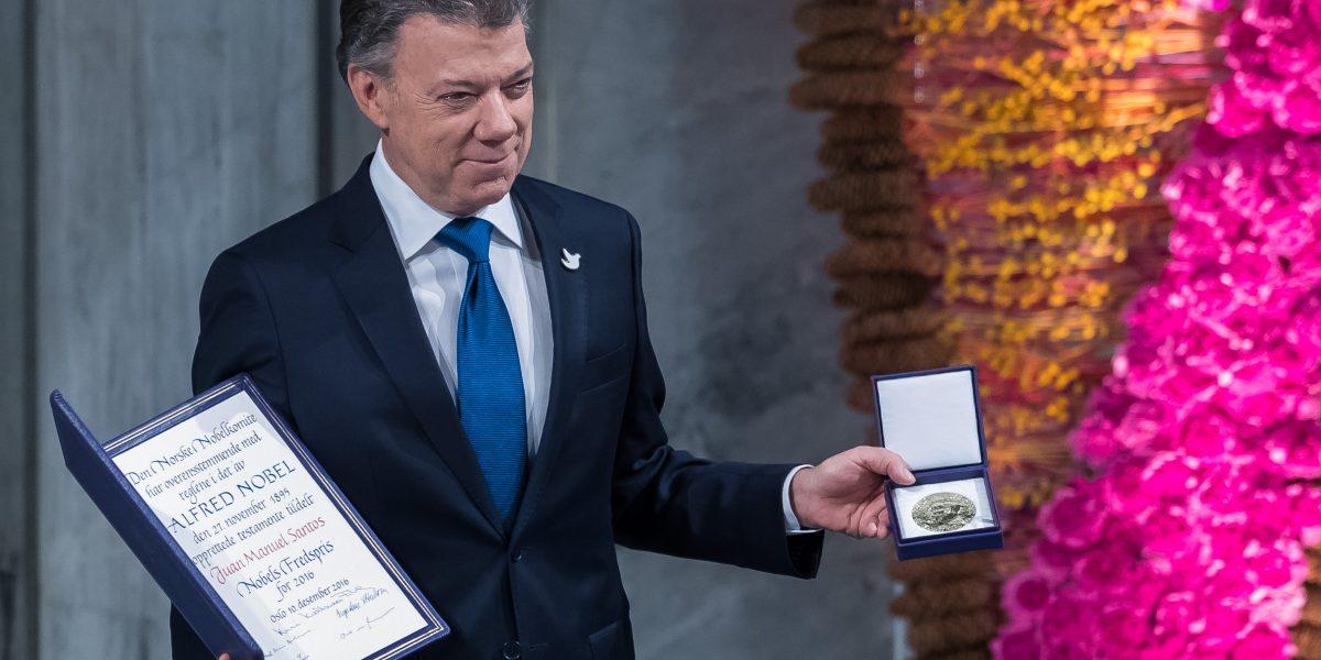 Colombia: Juan Manuel Santos anuncia diálogo oficial con ELN