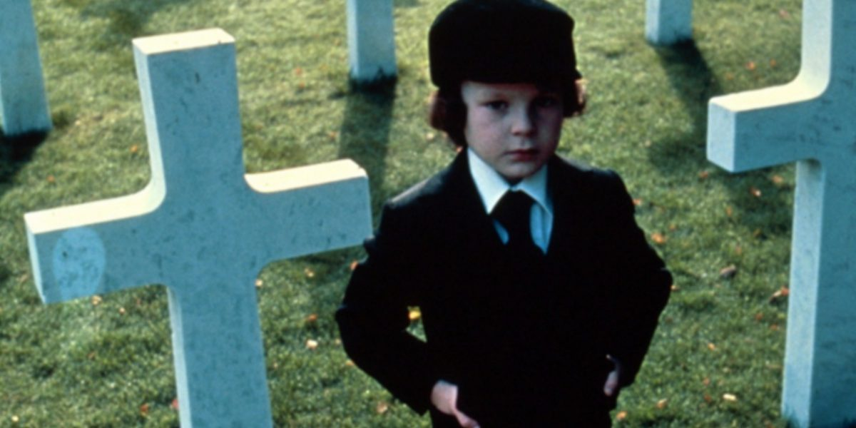 El niño que interpretó a Damien en