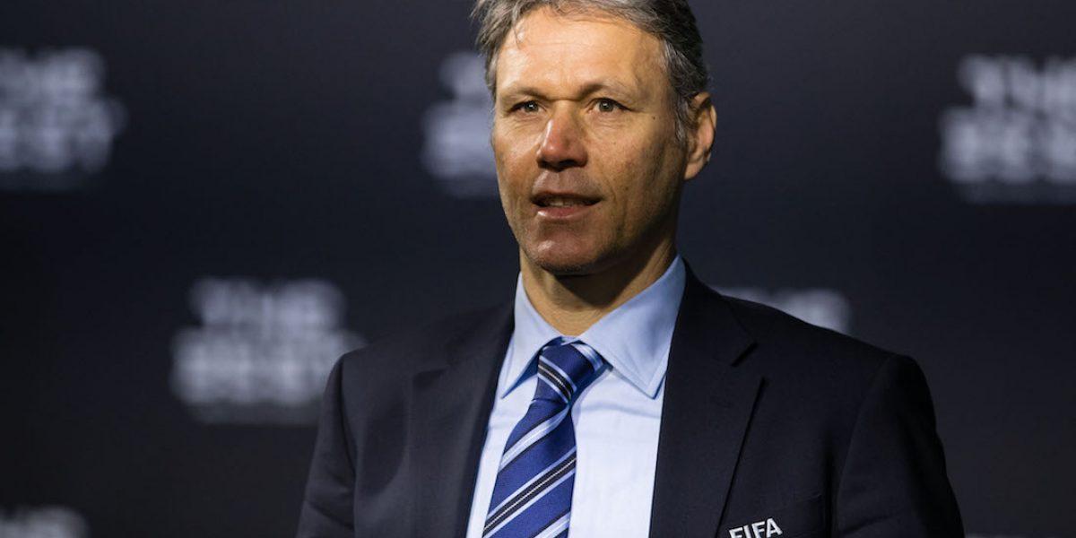Van Basten propone cambios drásticos en el futbol