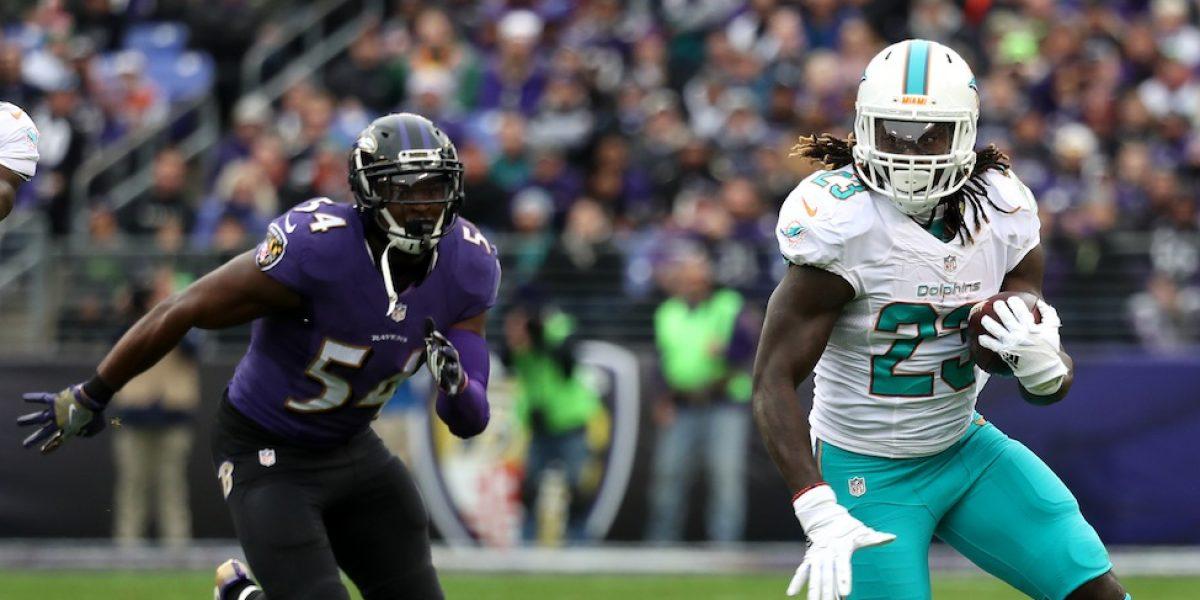 Jugador de los Ravens se retira de la NFL