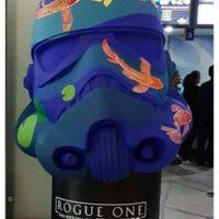 Rogue One. Imagen Por: Fanáticos y creativos intervinieron cascos de Stormtrooper.