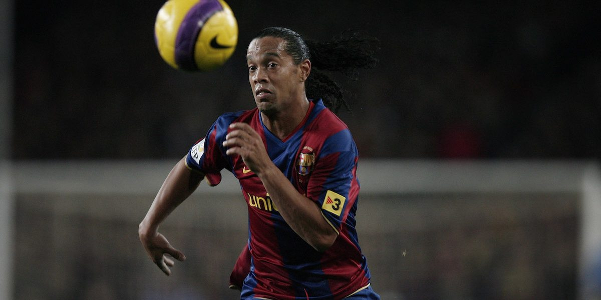 Cerca de concretarse el regreso de Ronaldinho al Barcelona