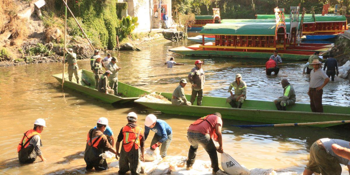 Se abre grieta de 3 metros en canal de Xochimilco