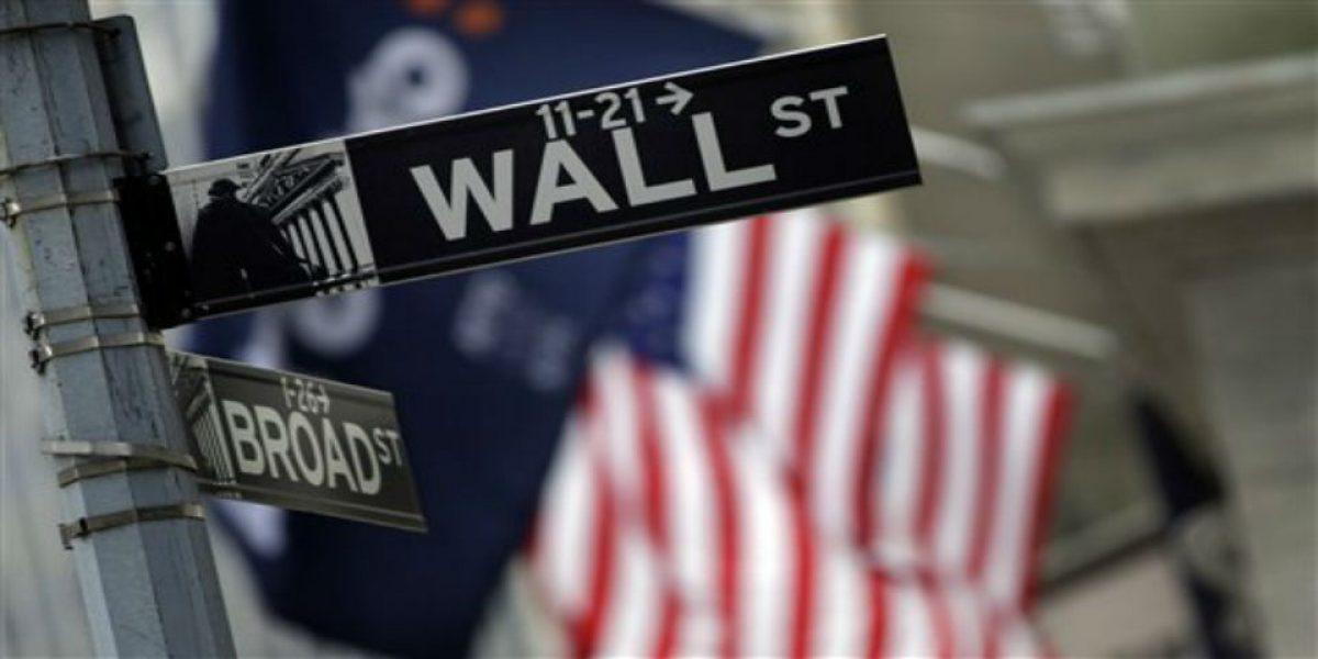 Dow Jones de industriales toca por primera vez los 20 mil puntos