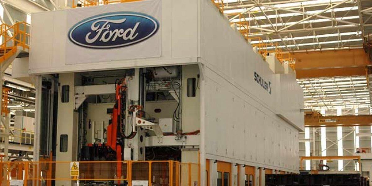 Ford rectifica y reconoce que necesita a México en sus planes