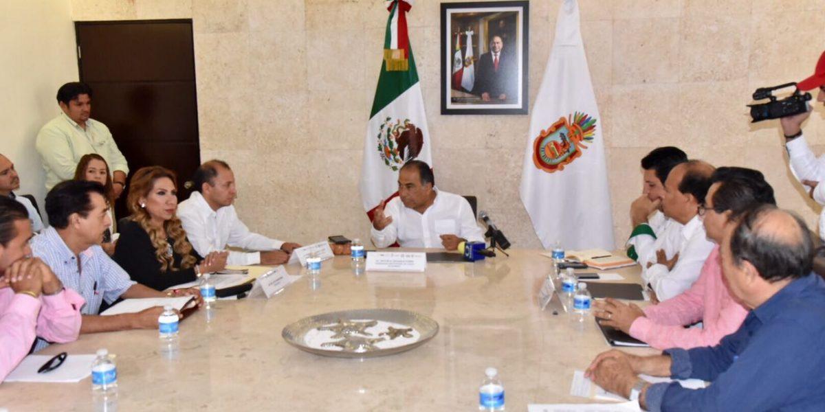 Promueve Héctor Astudillo apoyos a empresarios en Guerrero