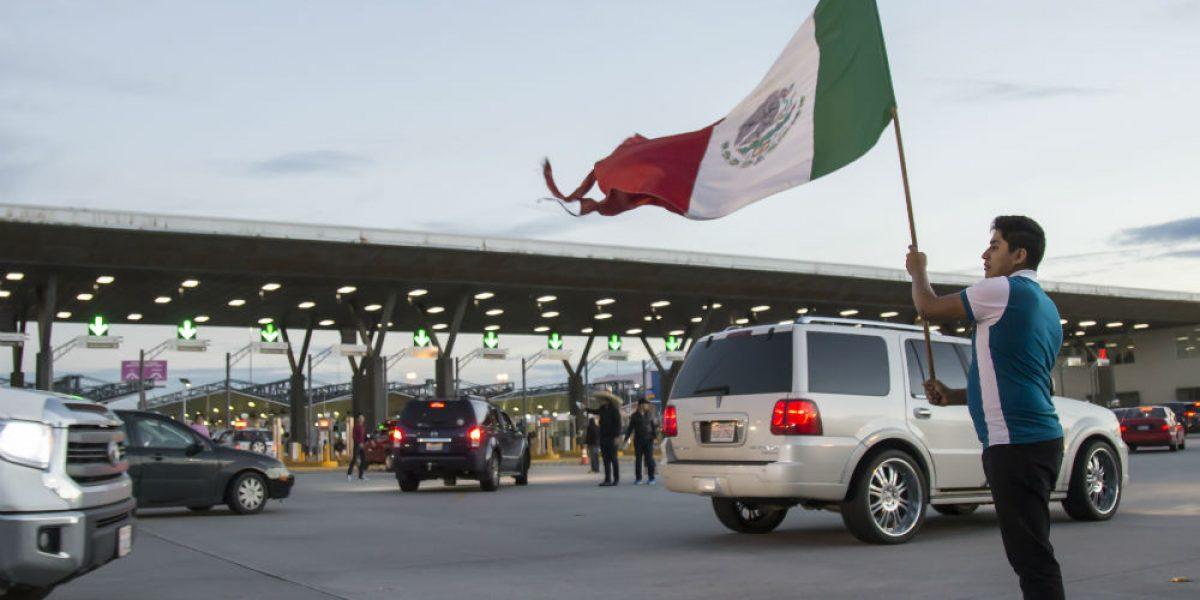 Impuesto de 20% a exportaciones mexicanas pagaría muro de Trump