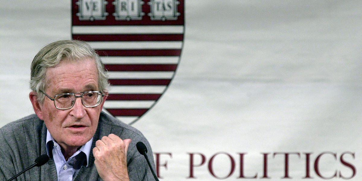 """Chomsky explica en su nuevo libro """"¿Quién domina el mundo?"""""""