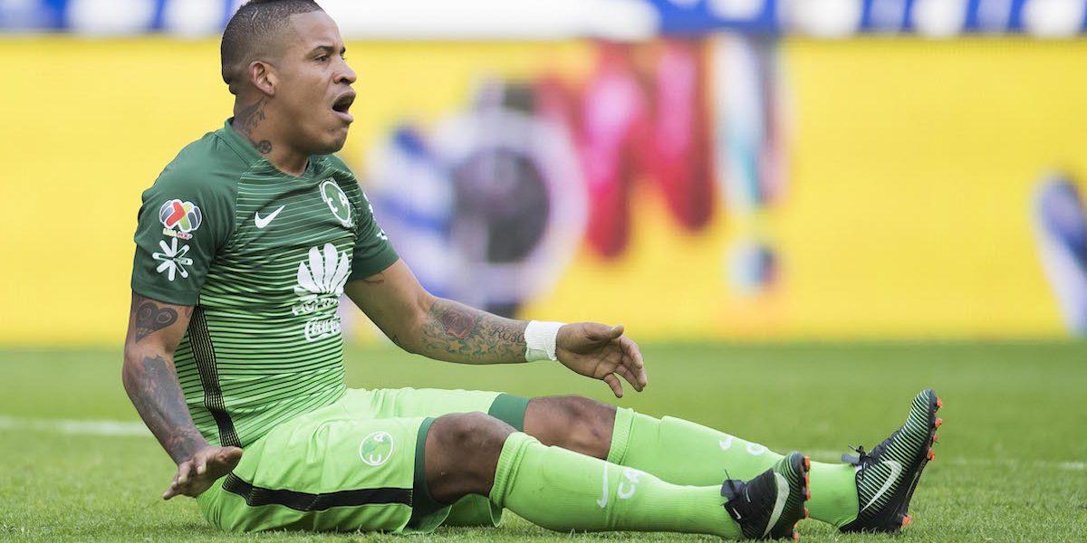 Michael Arroyo no saldría ni a la banca para el duelo entre América y Veracruz
