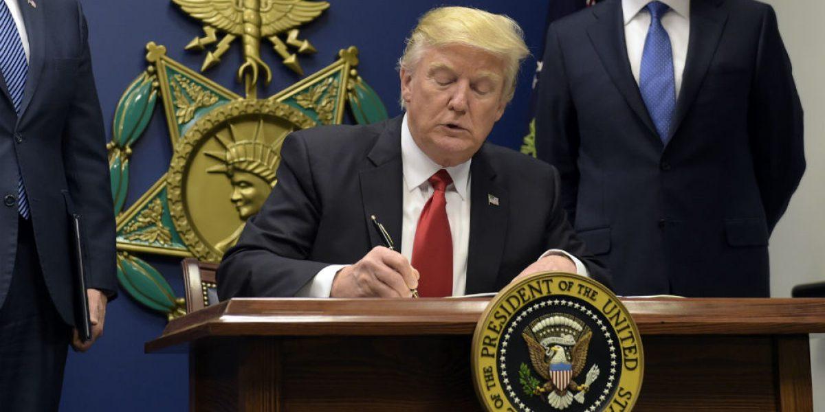 Casa Blanca evade promesa de no hablar públicamente del muro