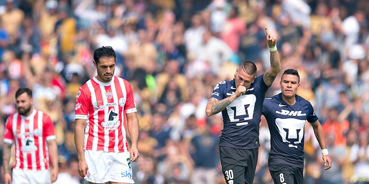 Pumas viene de atrás para imponerse a Necaxa en la Liga MX