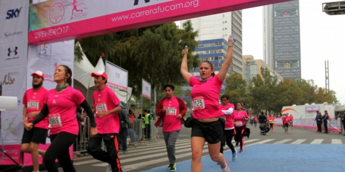 Paseo de la Reforma se vistió de rosa con la Tercera Carrera Fucam