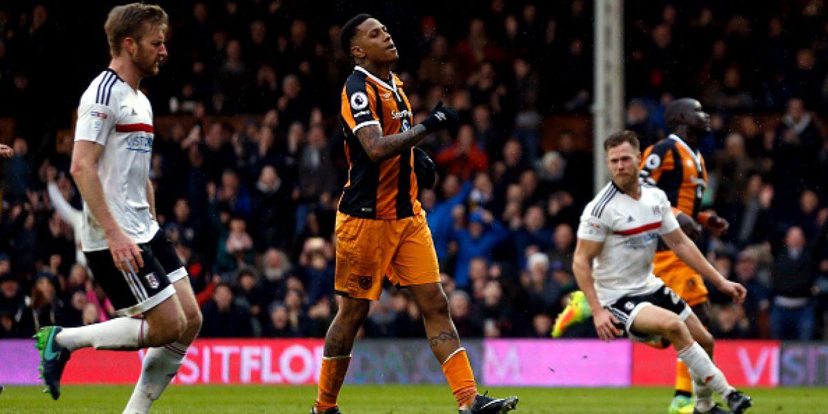 Futbolista del Hull City falla dos penales en un minuto