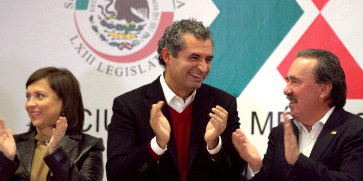 PRI va por eliminación de 30 diputados plurinominales y 32 senadores