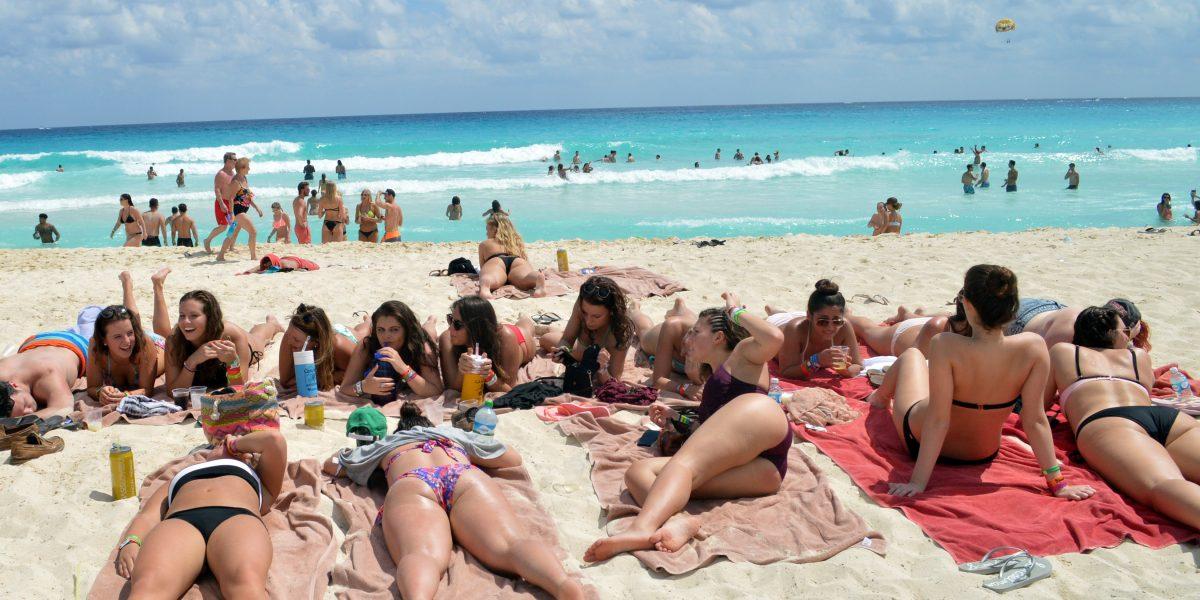 "Cancún se prepara para recibir ""spring break"""