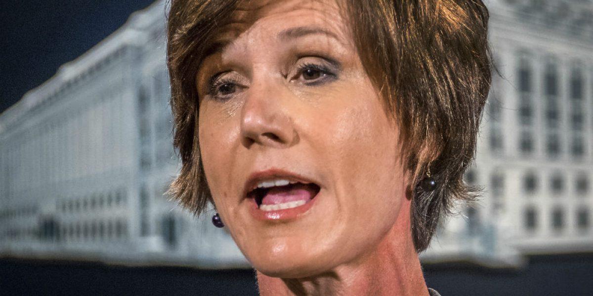 Trump despide a fiscal general, Sally Yates, por desafiar orden antiinmigrante