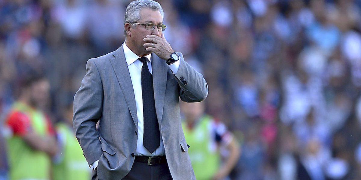 ¡Cae el segundo! Vucetich es cesado de Querétaro