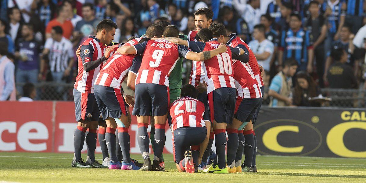 Despiden a técnico y dos jugadores de Chivas por grave indisciplina